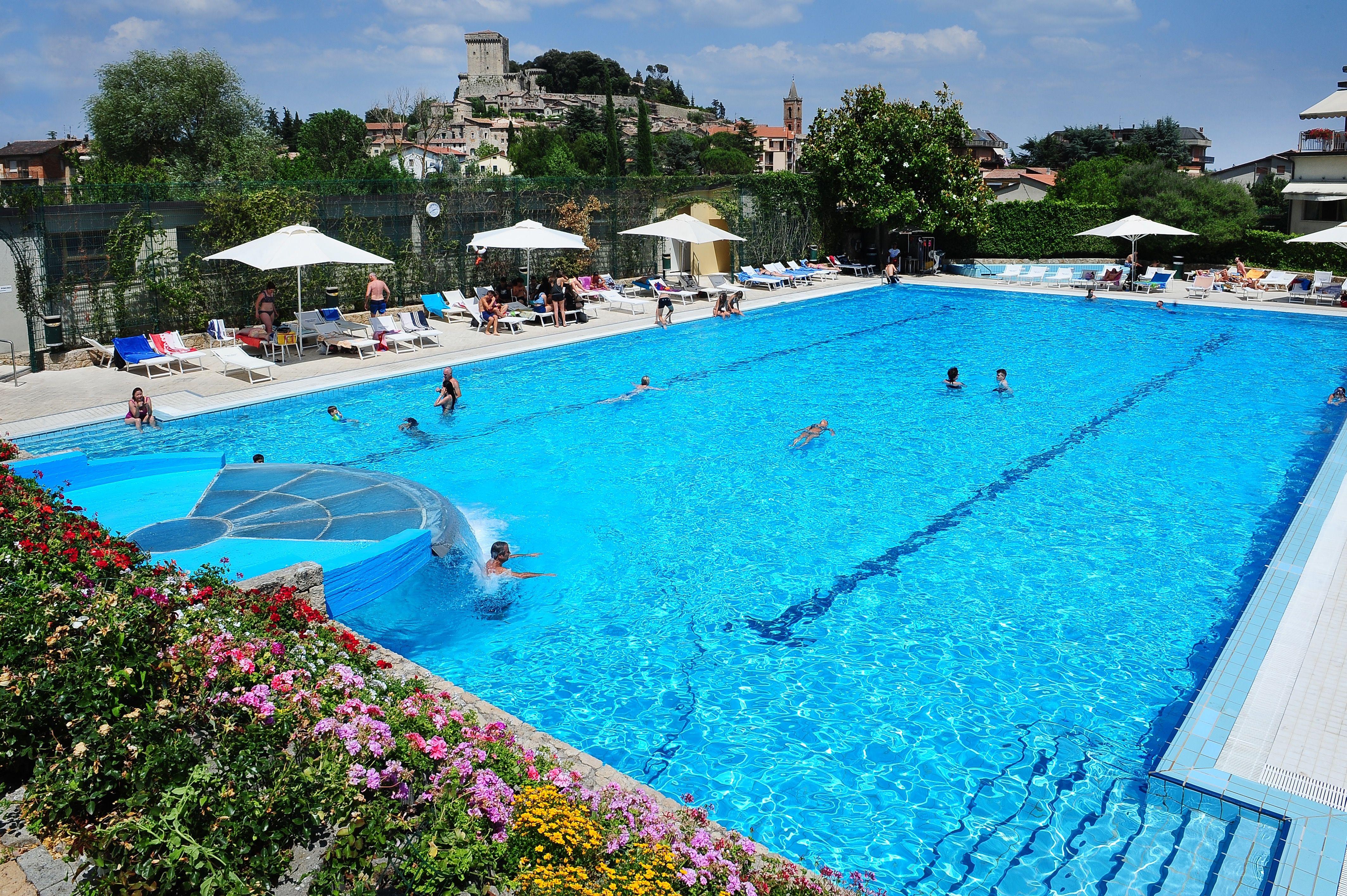 Campeggio parco delle piscine toscana camping sarteano - Piscine in toscana ...