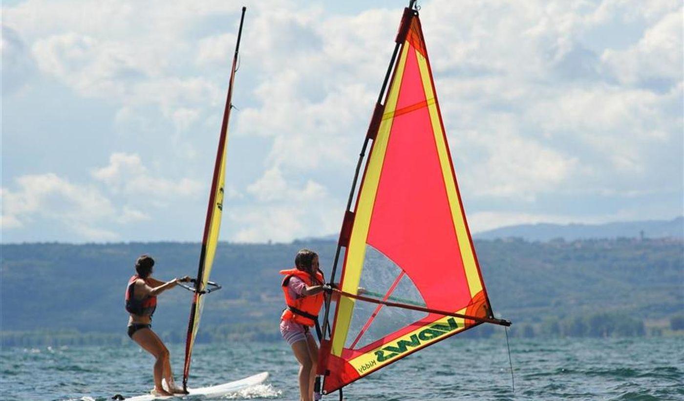 Windsurf sul Lago di Bolsena, in Lazio