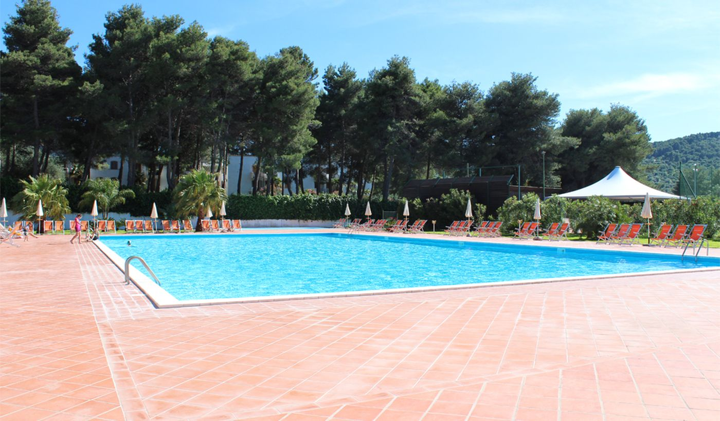 Camping with swimming pool, Puglia