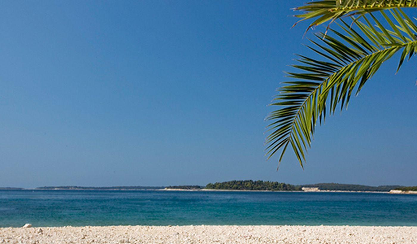Isole Brioni viste dalla spiaggia