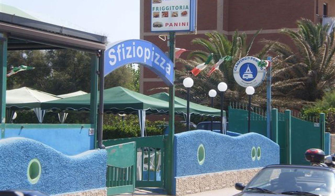 Pizzeria accanto al campeggio