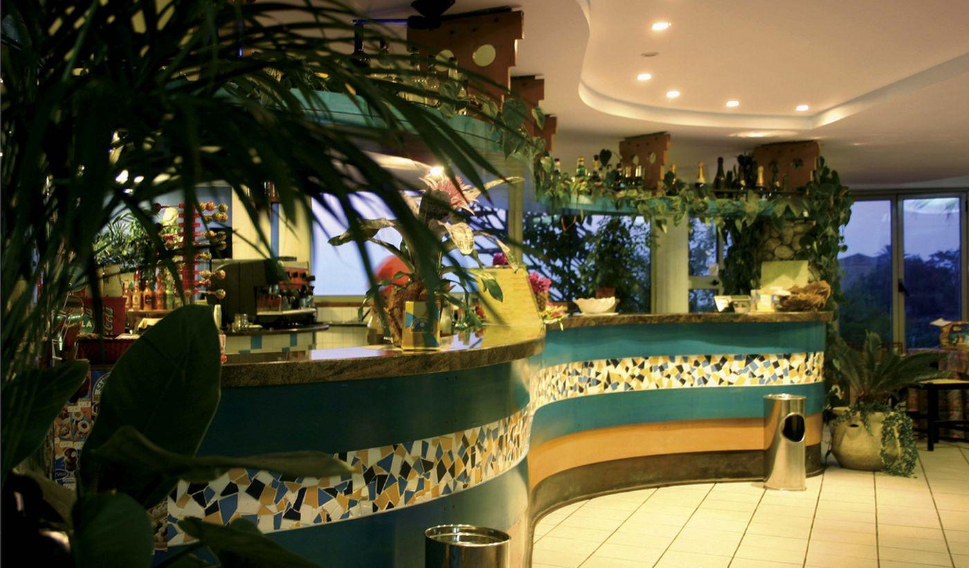 Die Bar auf dem Village Hotel, zwischen Capo Vaticano und Tropea