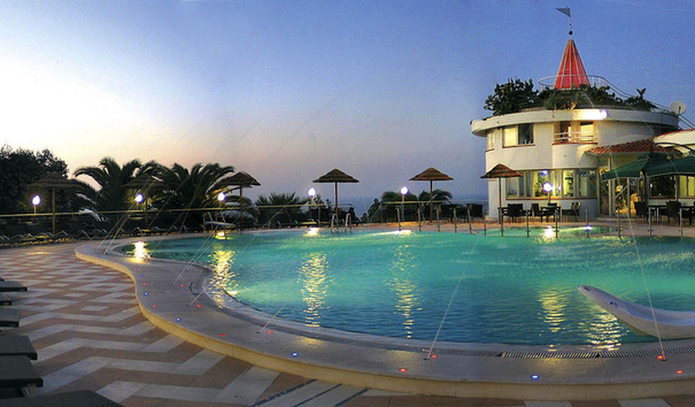 Villaggio con piscina Calabria