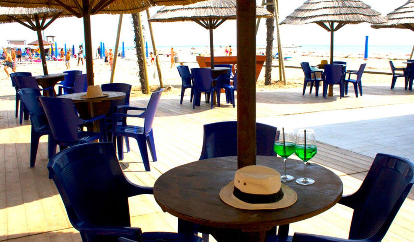 Bar-Restaurant am Strand