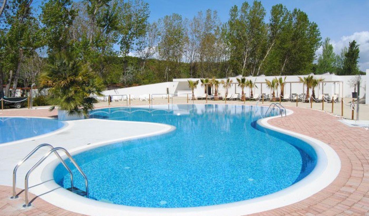 Camping Village con piscina