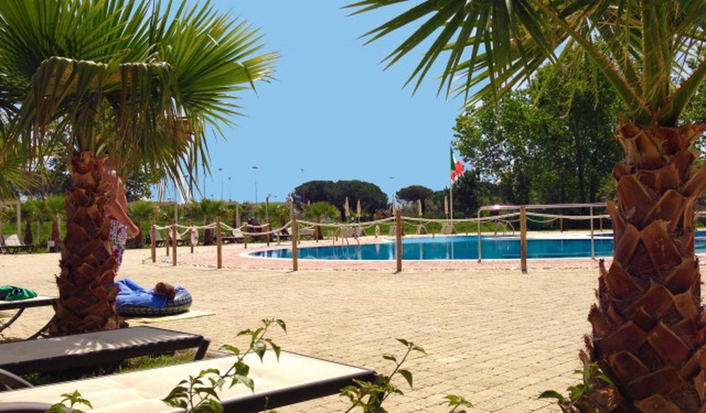 Der Pool auf dem Campingplatz