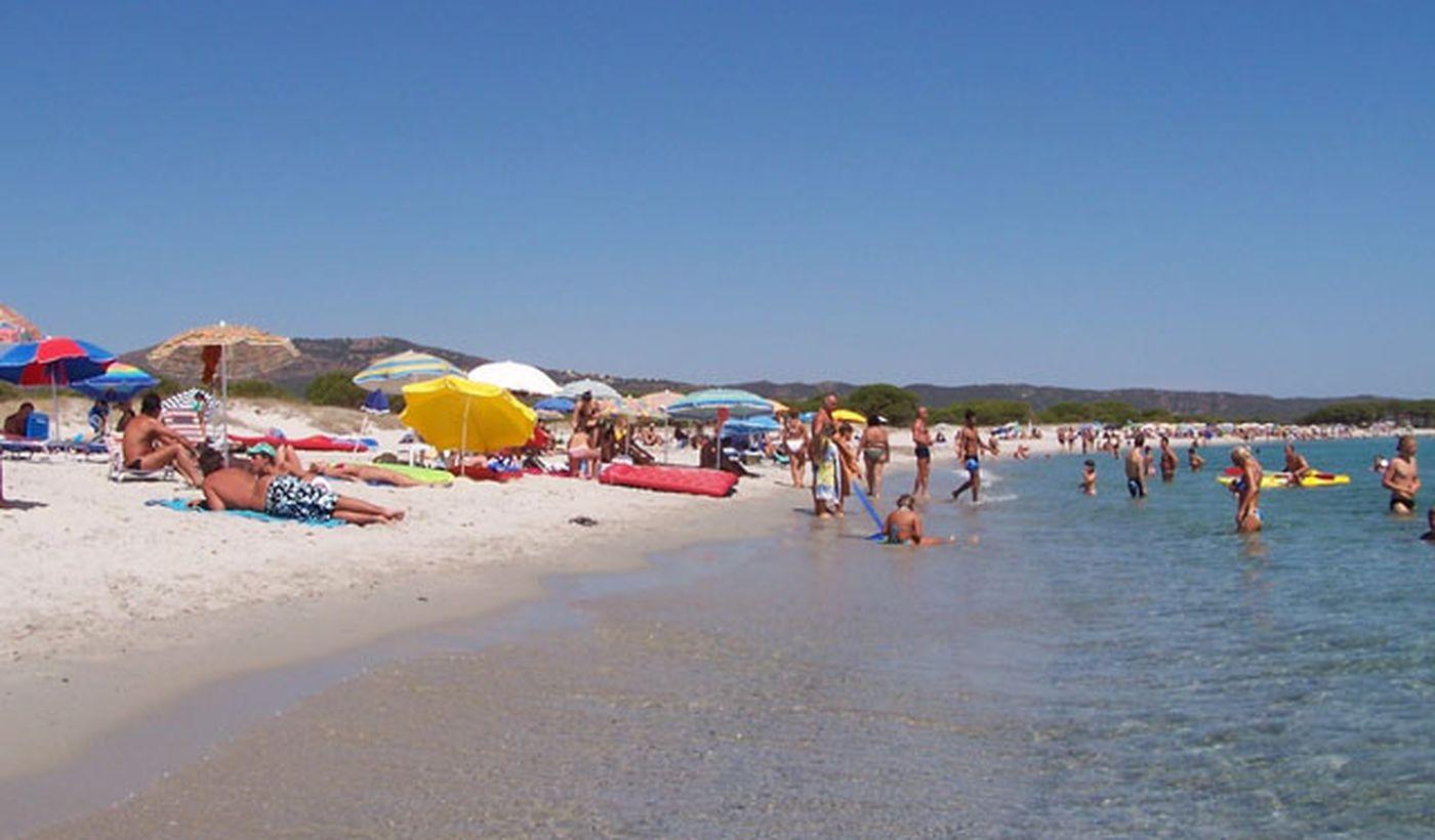 Der Strand des Camping Ermosa