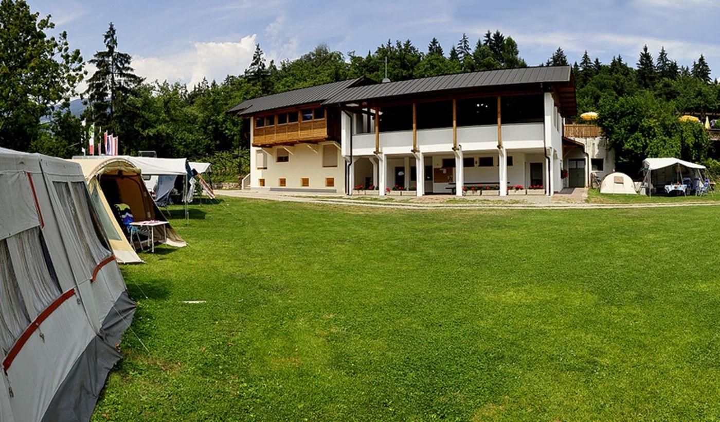 Camping mit Bar im Trentino