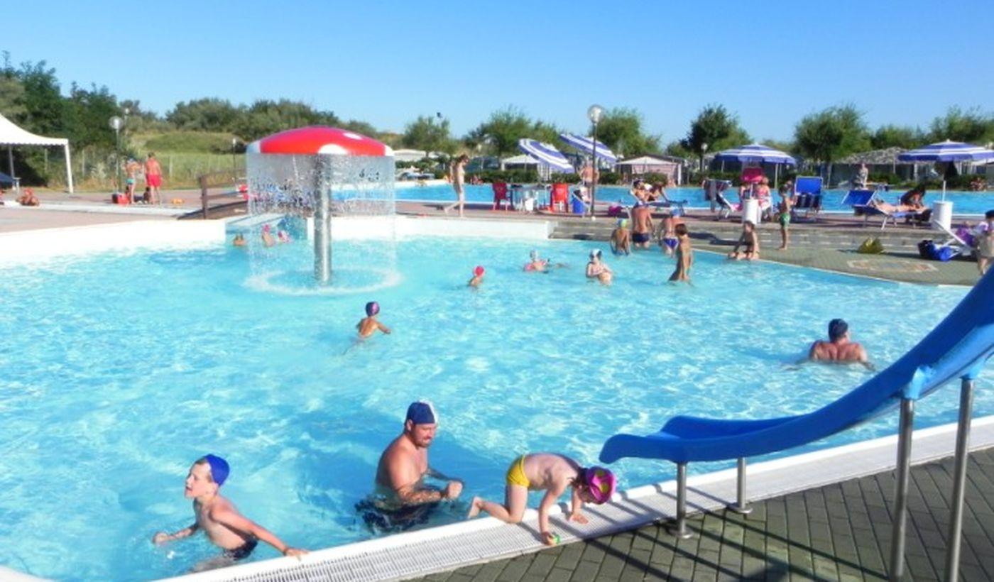 Camping con piscina per bambini