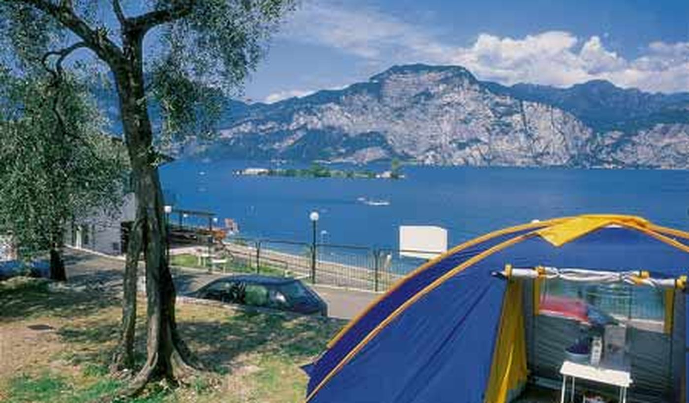 Camping Pitches with lake view