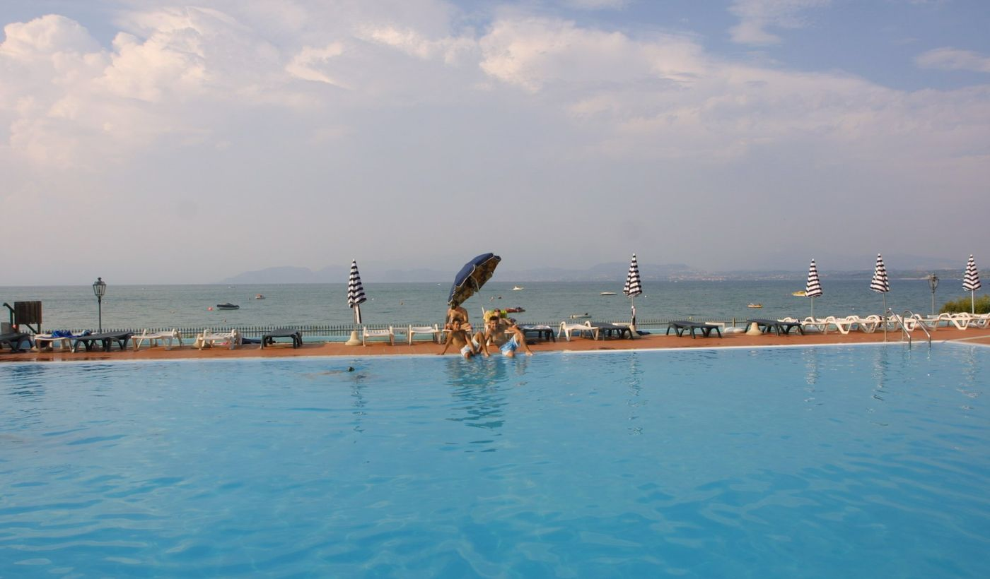 Camping with Swimming Pool in Peschiera del Garda