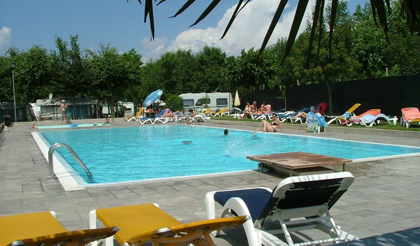 Camping with Swimming Pool on the Lake Garda