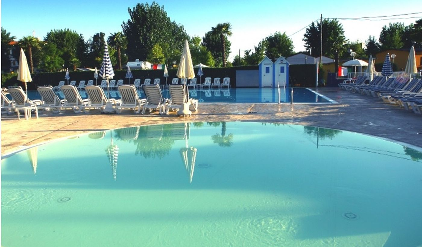 Camping Village with Swimming Pool for children, Peschiera del Garda