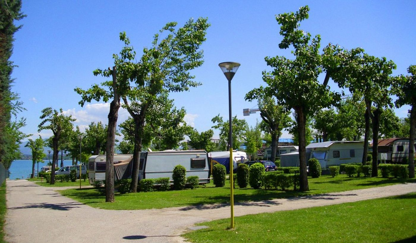 Pitches for caravans and motorhomes, Garda Lake