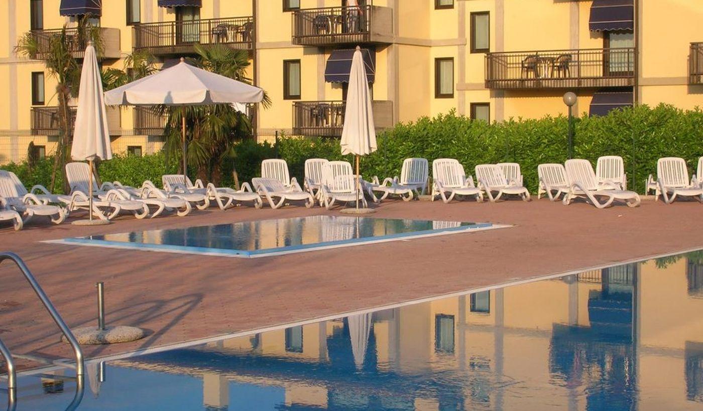 Schwimmbecken für Erwachsene und Kinder