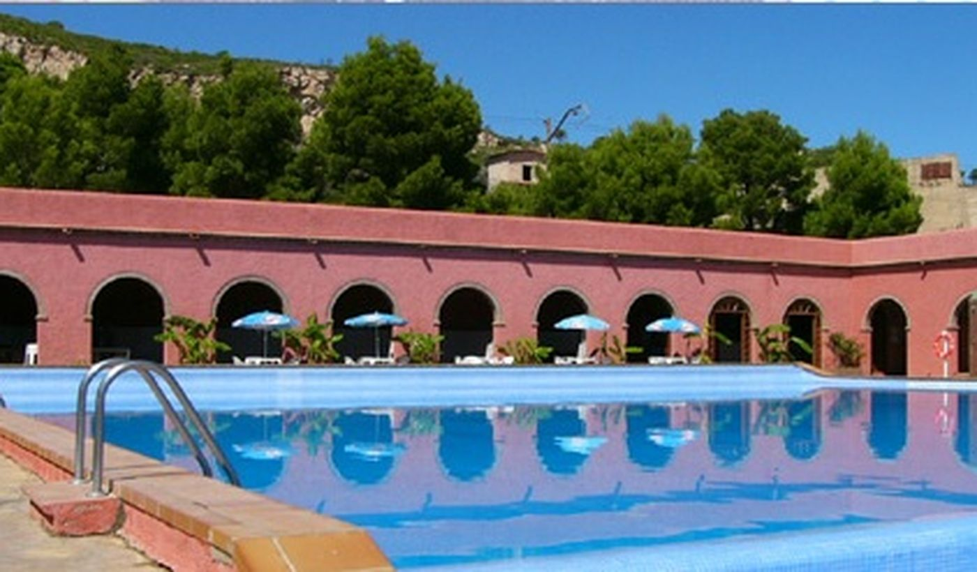Camping Village con Piscina a Hospitalet de l'Infant, Spagna