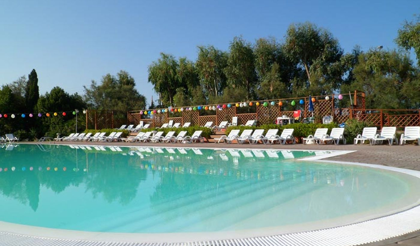 Feriendorf mit Pool in Marina di Cecina
