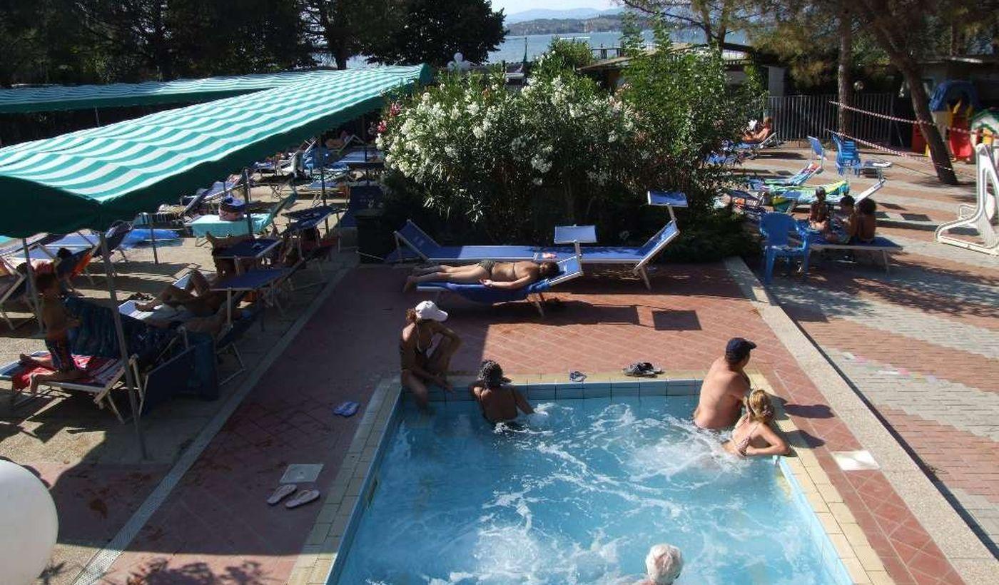 Camping Village con vasca per bambini a Sant'Arcangelo, Magione