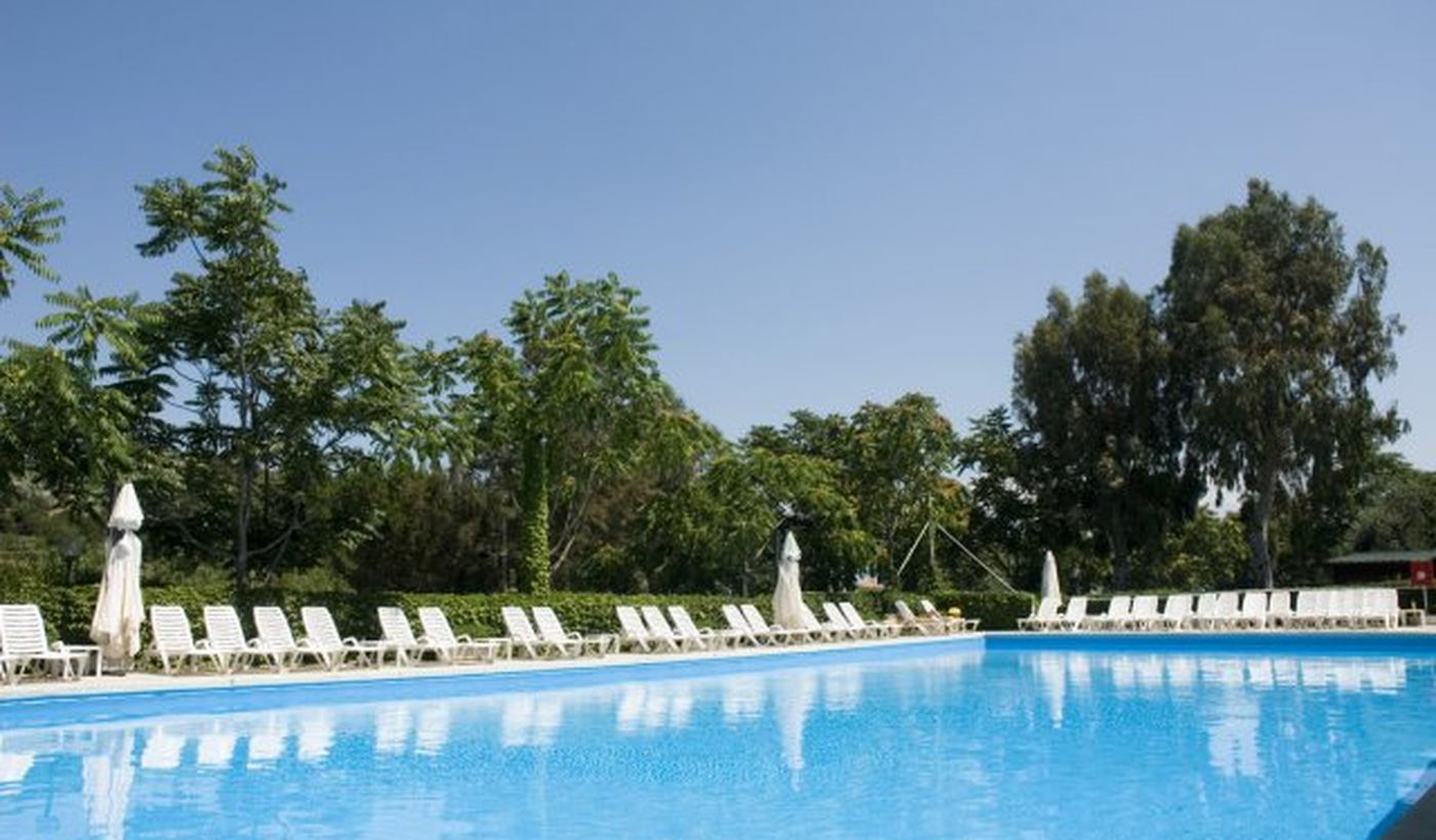 Campingplatz mit Pool in San Bartolomeo al Mare, Ligurien