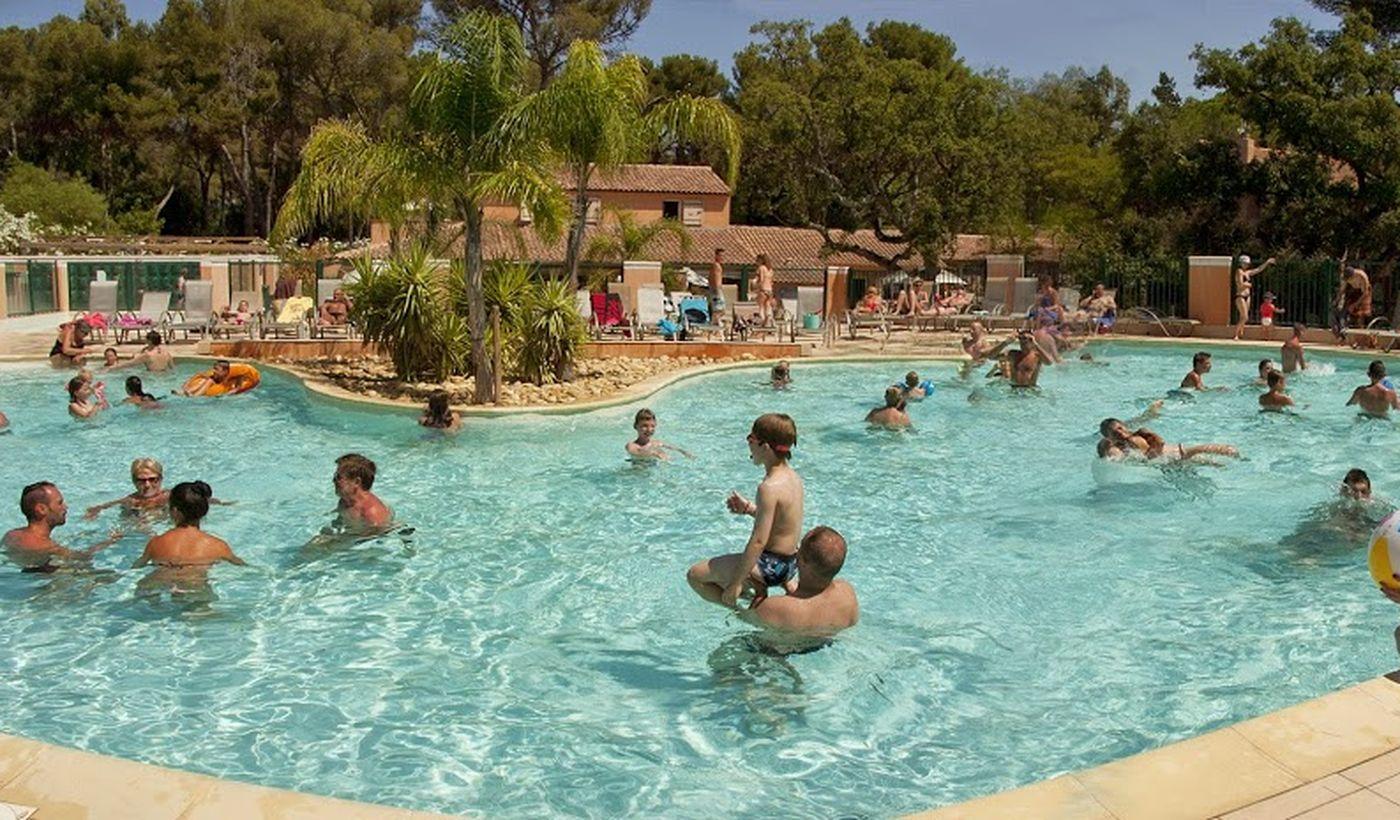 Camping avec piscine en Provence