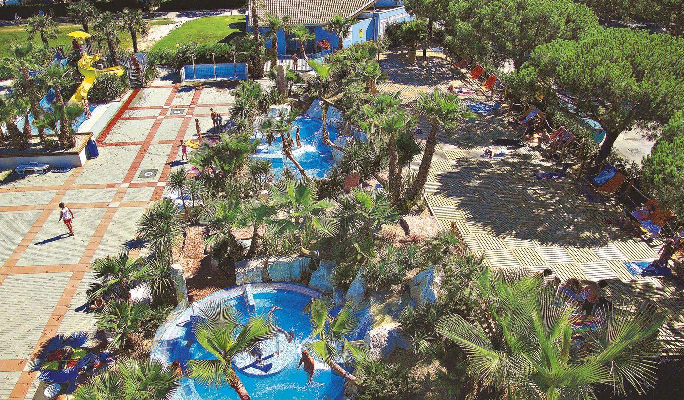 Camping con piscina idromassaggio