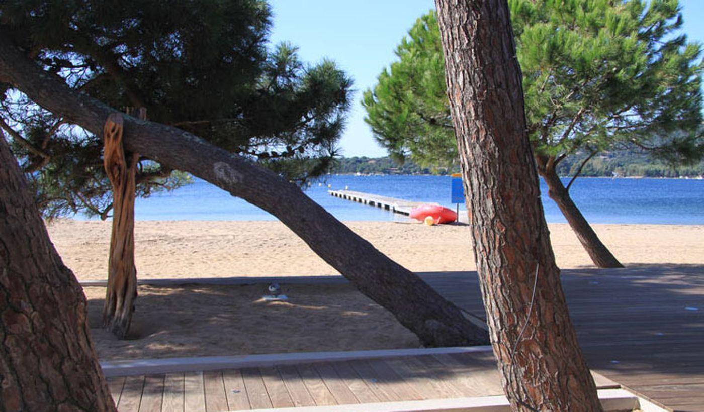 Camping sur la mer Corse