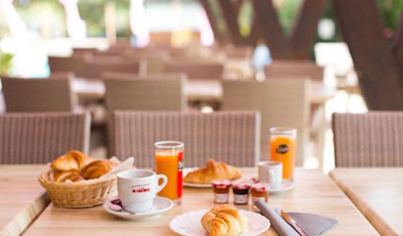 Petit-déjeuner au camping La Vetta