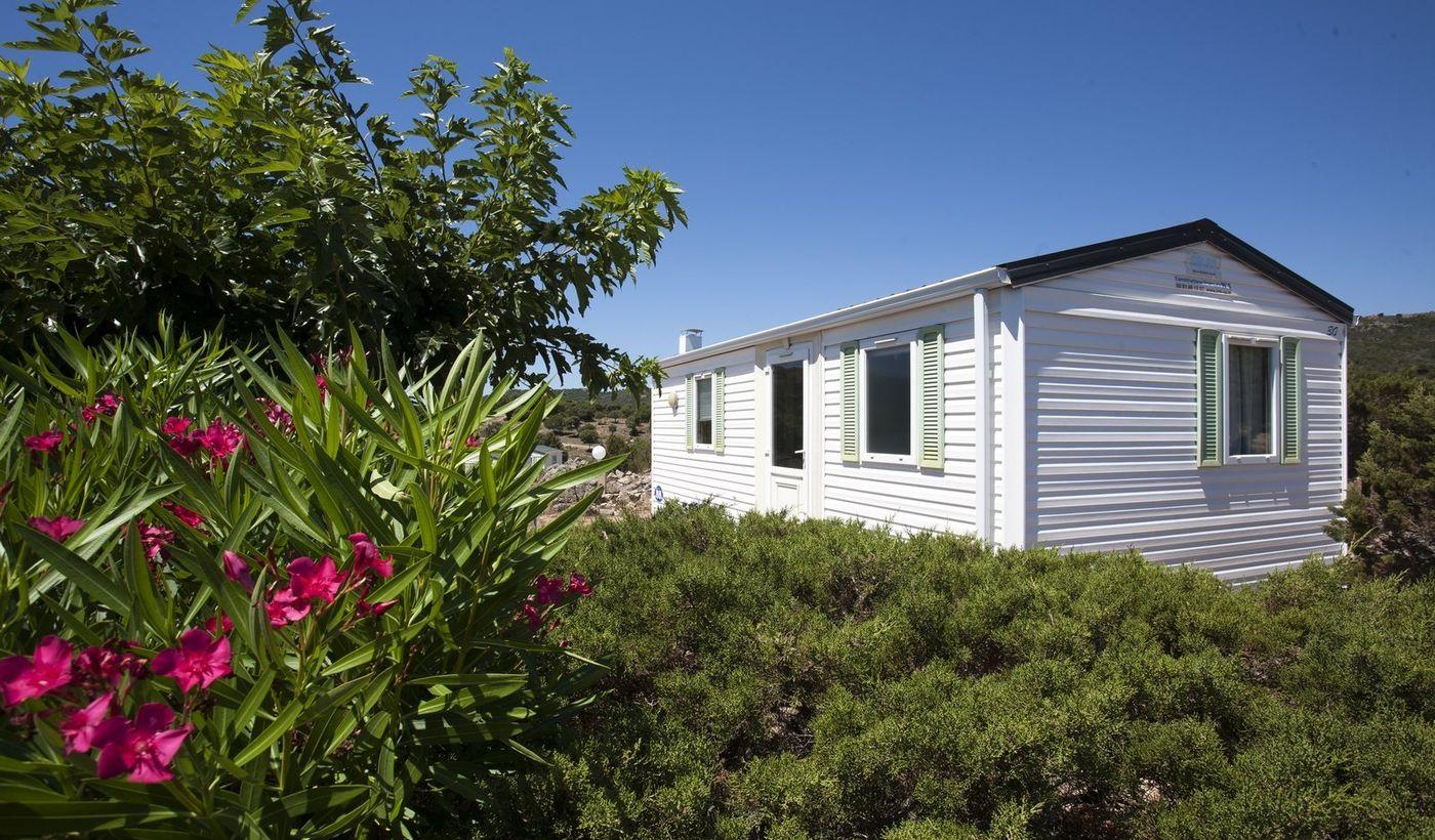 Maisons mobiles à Bonifacio, en Corse