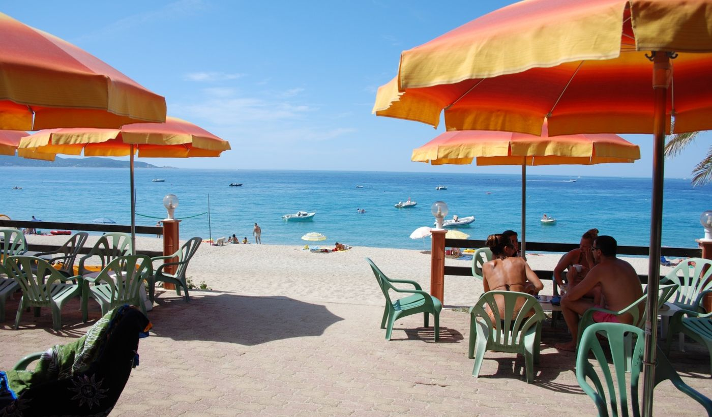 Le bar sur la plage
