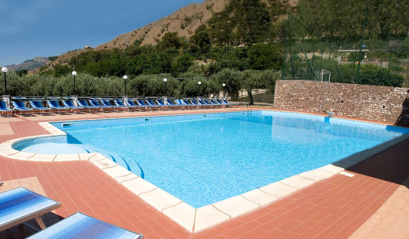 Camping Village con Piscina in Sicilia