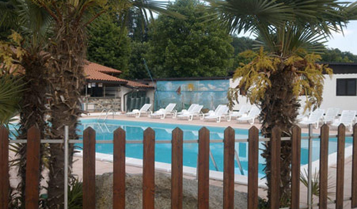 Camping con Piscina a Golasecca, Varese
