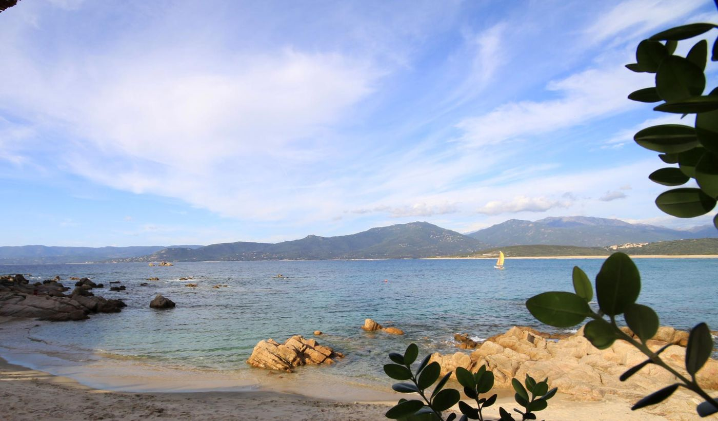 Tourist Village sur la mer en Corse