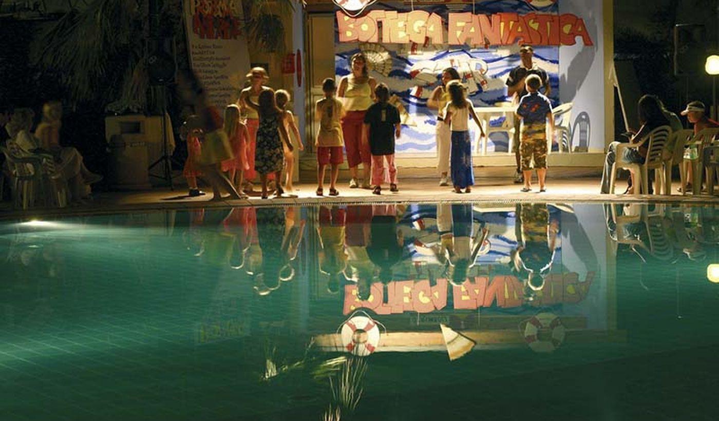 Animazione a bordo piscina