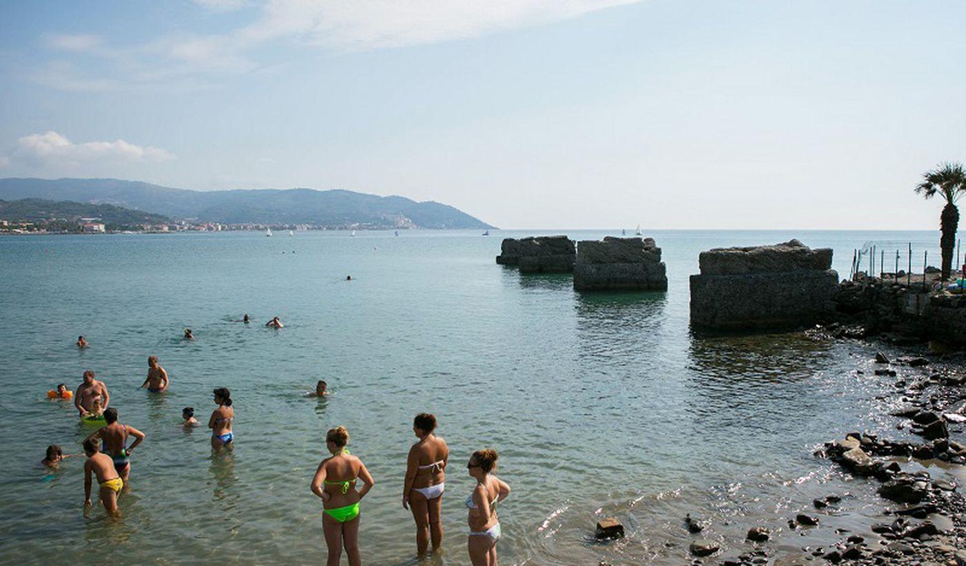 Das Meer in Diano Marina, Ligurien