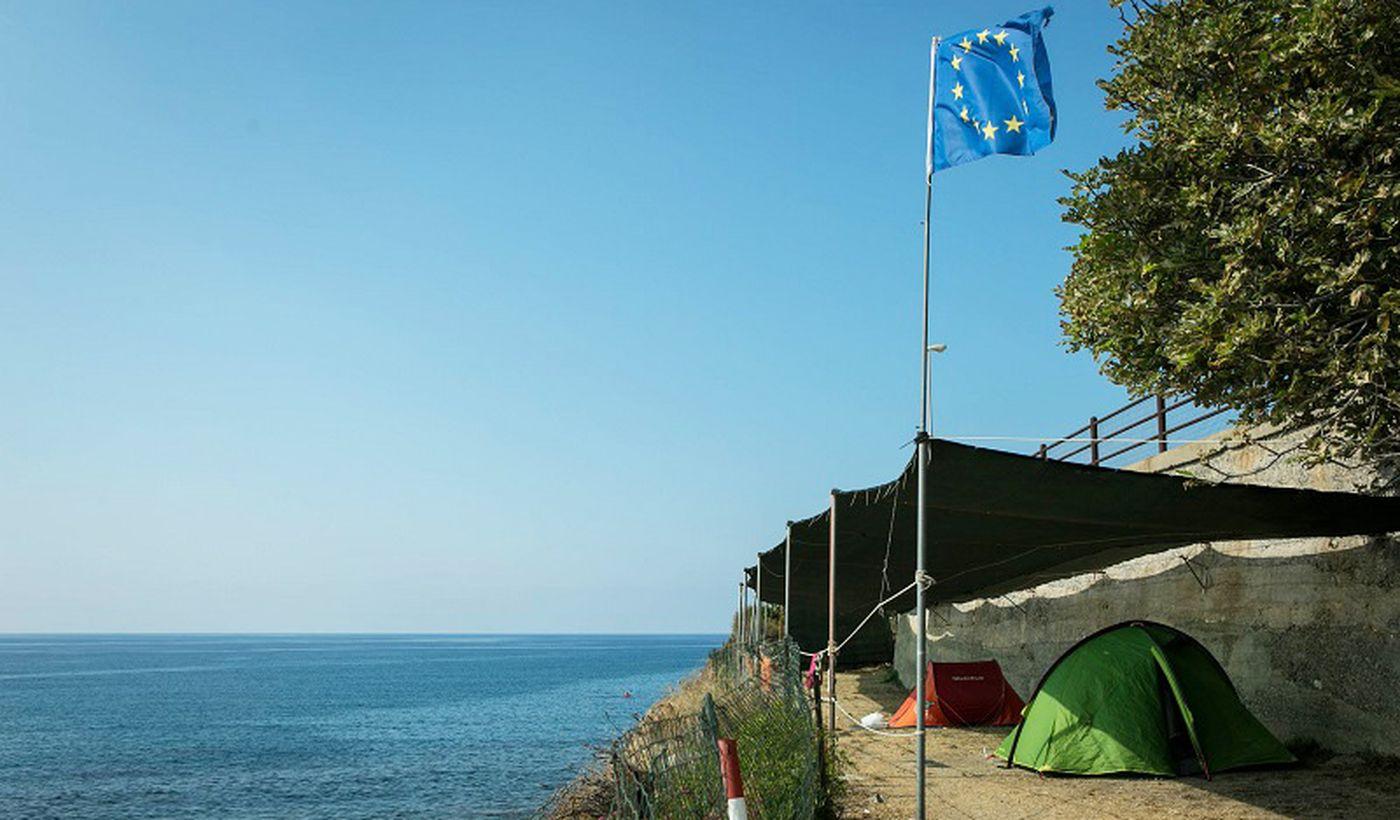 Stellplätze mit Blick aufs Meer, Ligurien