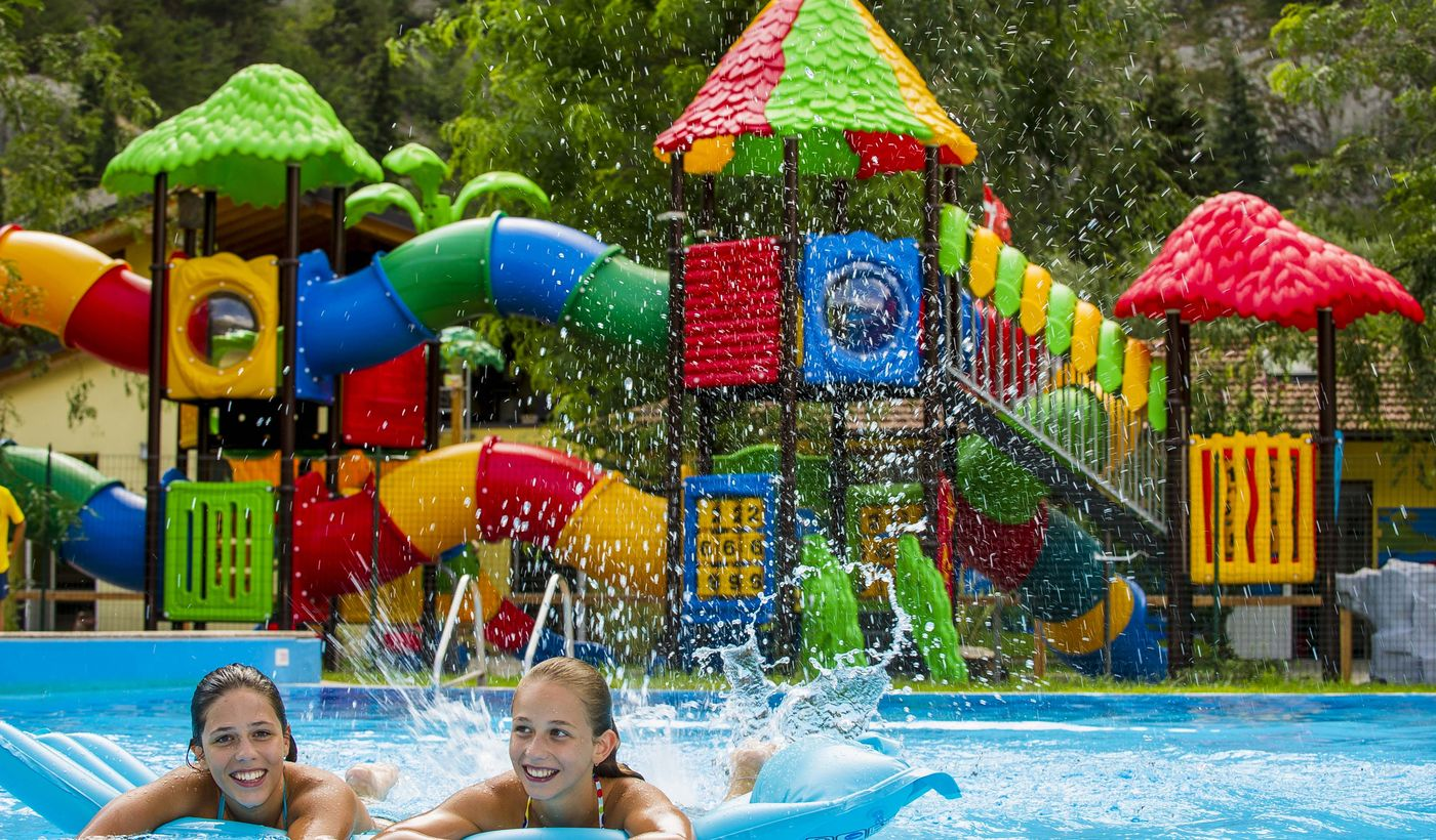 Camping with pool for children in Arco