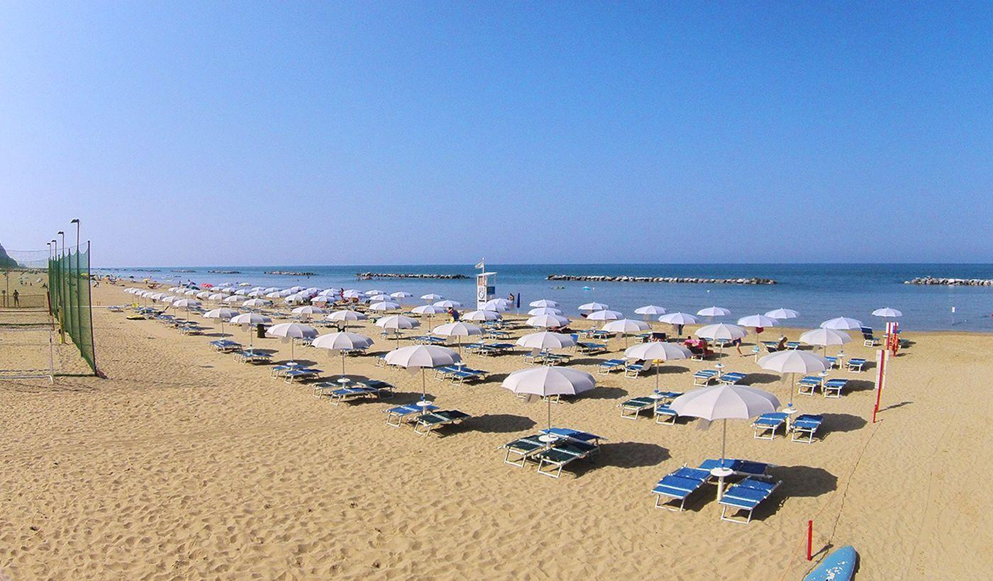Spiaggia privata nelle Marche