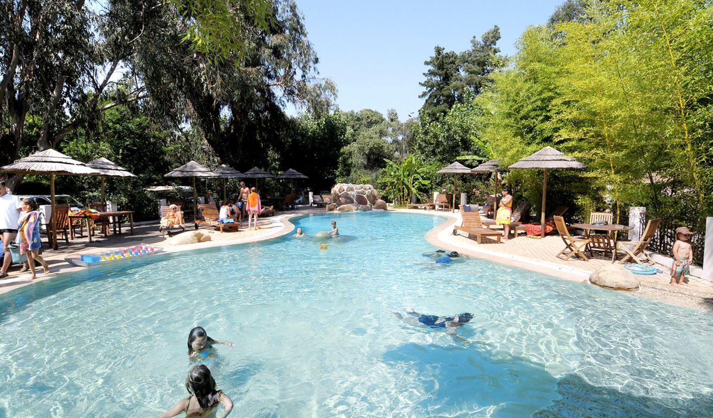 Camping avec piscine à Cauro, Corse