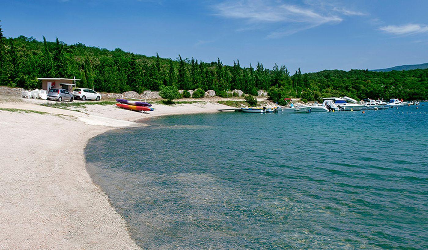 Spiaggia del campeggio Tunarica a Labin