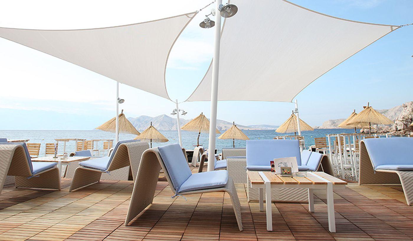 Bistro & Lounge Boneta sulla spiaggia
