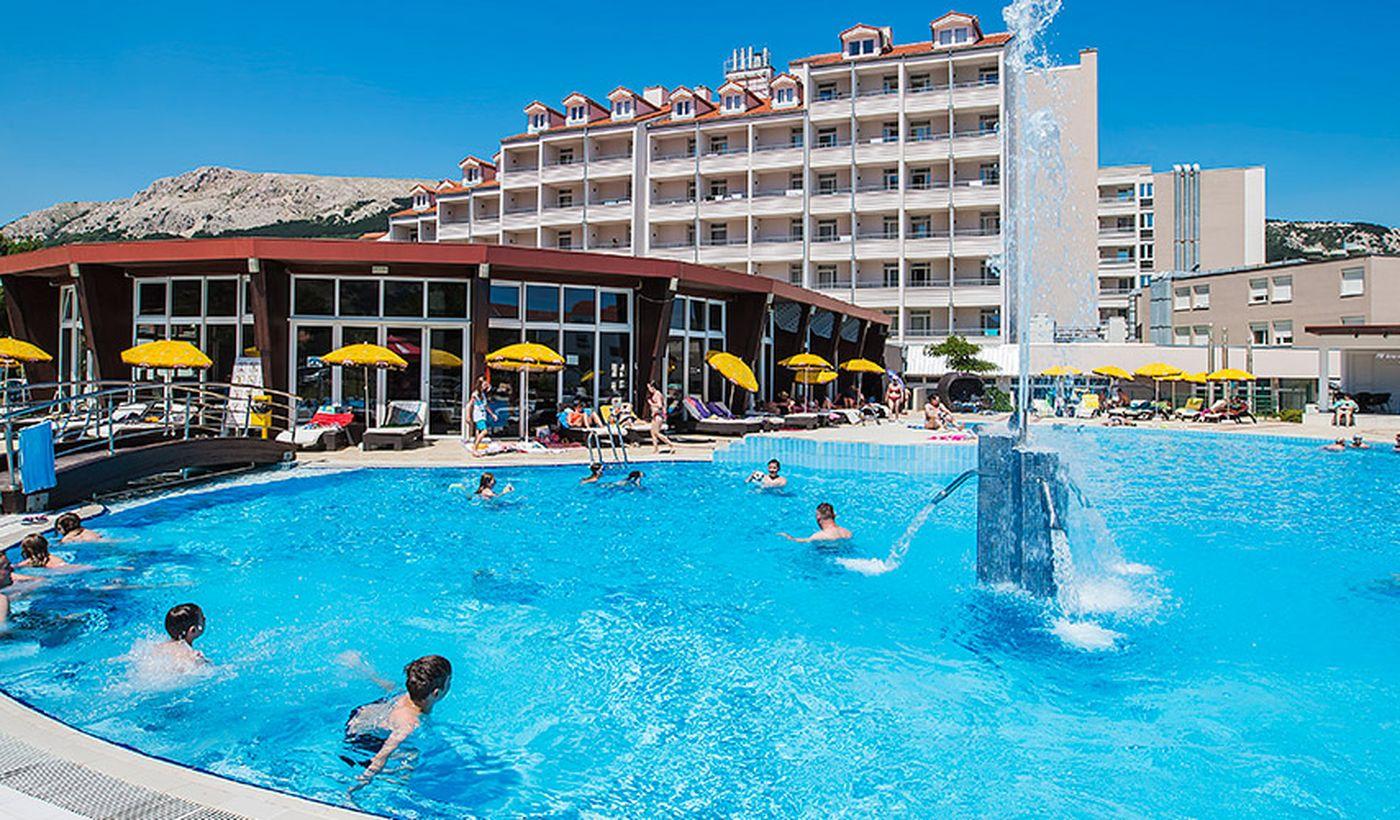 Piscina dell'hotel Corinthia-Baška