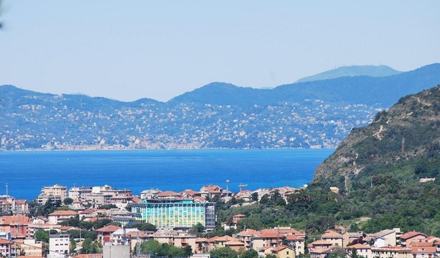 Camping a 1200 metri dal mare in Liguria