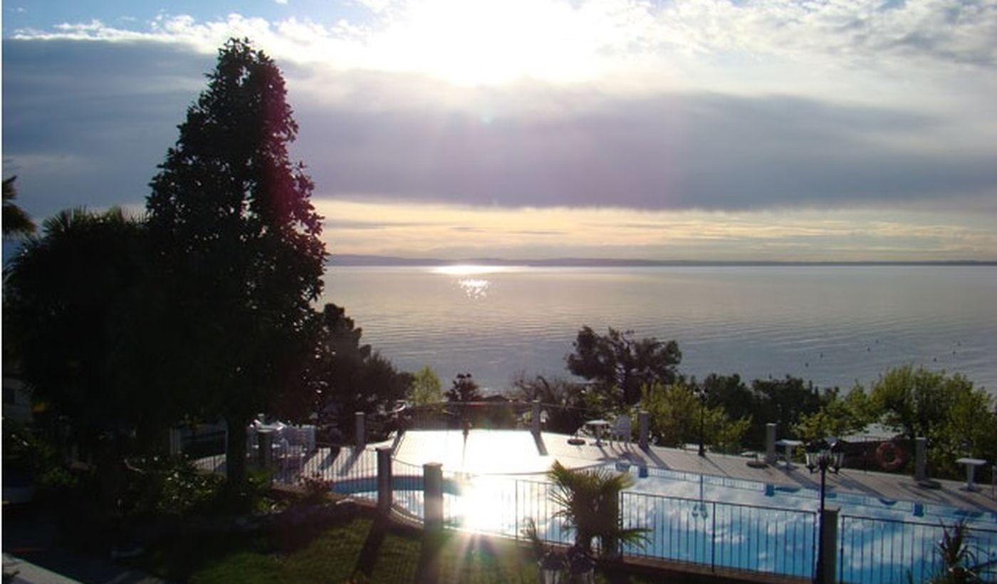 Camping Village mit Seeblick in Padenghe sul Garda