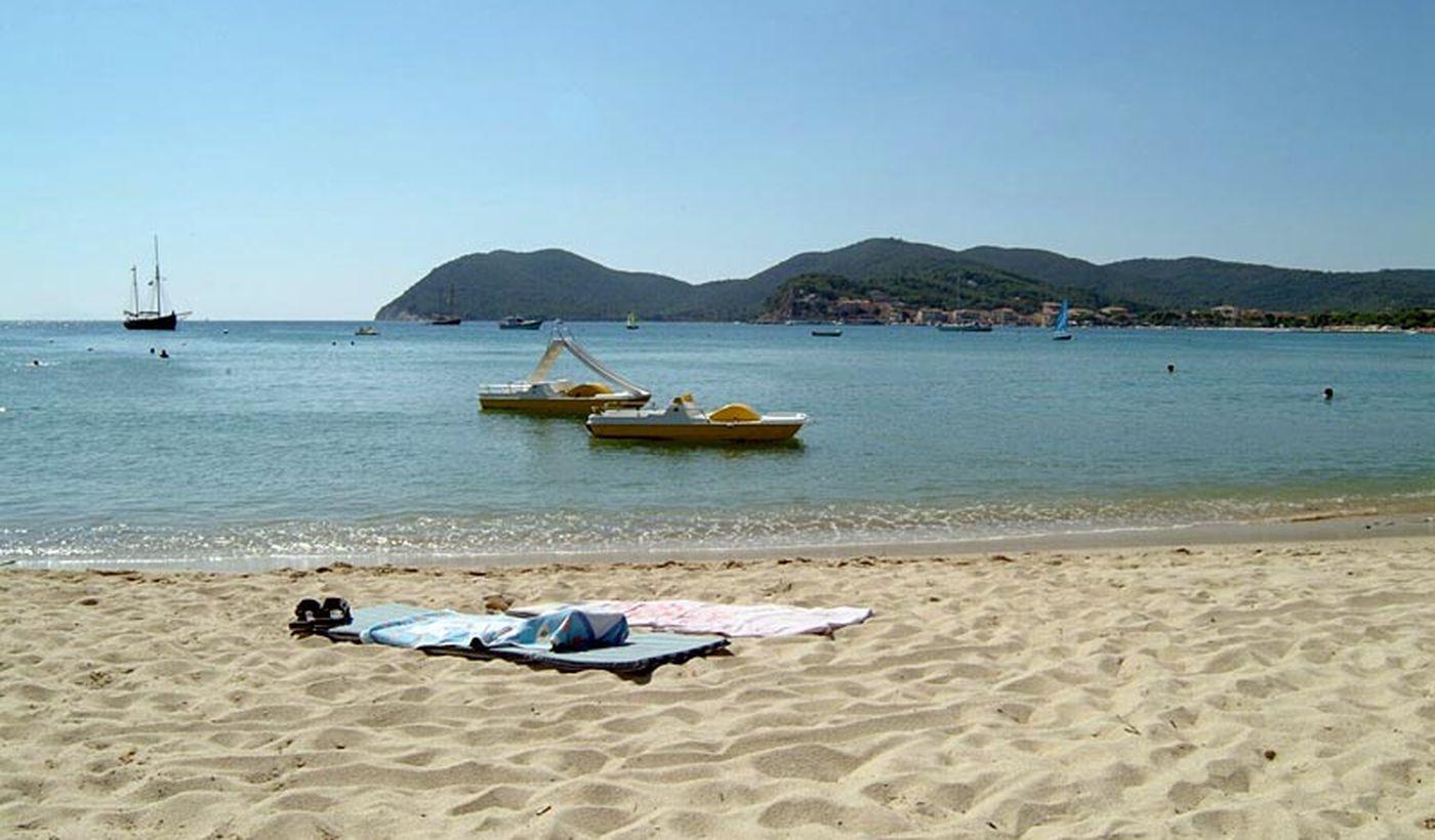 Camping auf dem Meer auf der Insel Elba