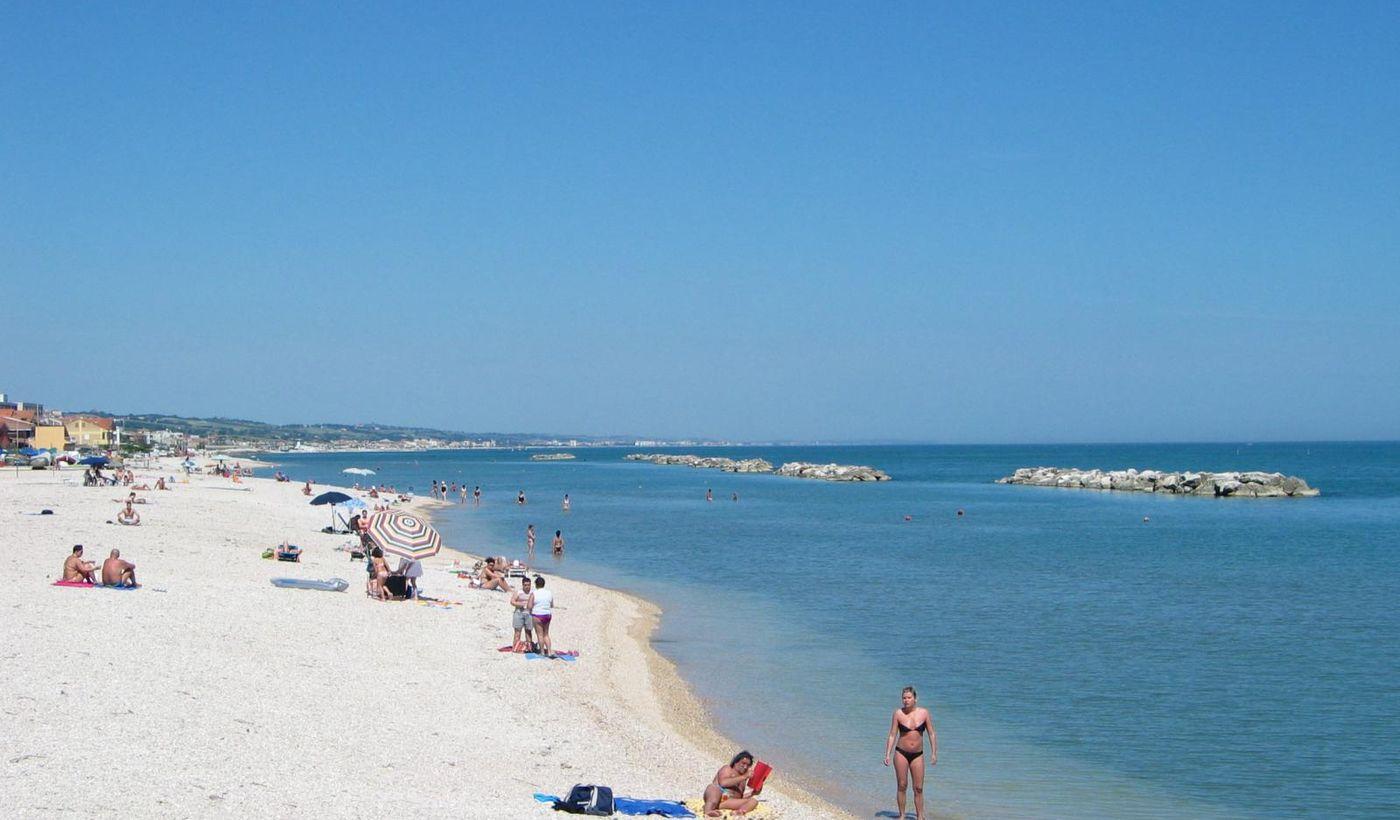 Spiaggia Rocca Mare a 200 mt.