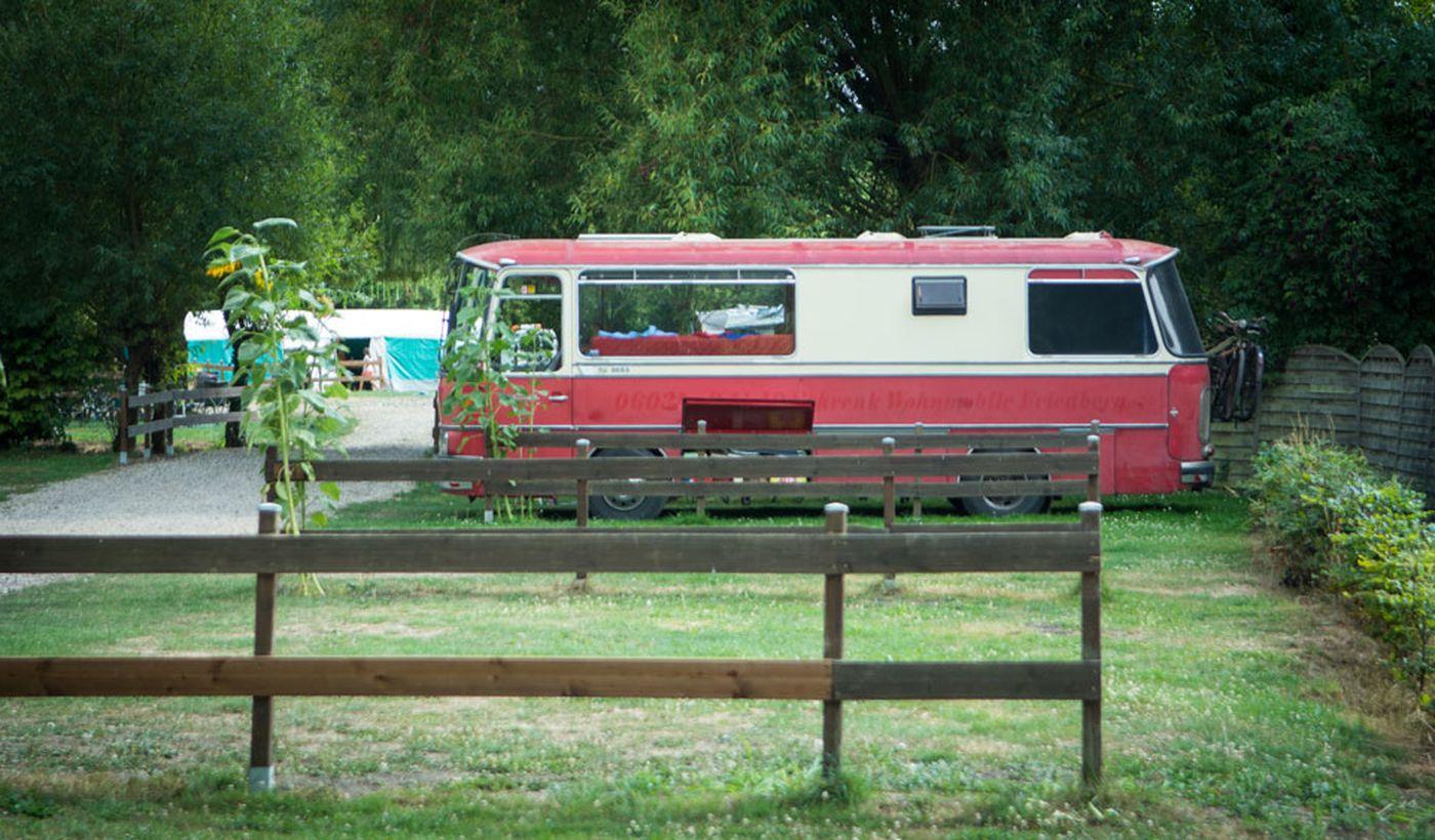 Emplacements pour les caravanes - Camping De La Trye