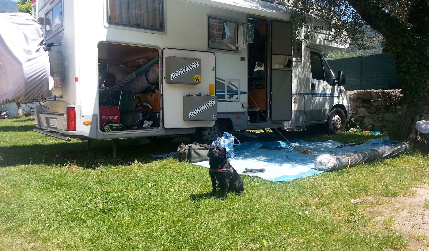 Camper Stop-Bereich mit Haustiere erlaubt