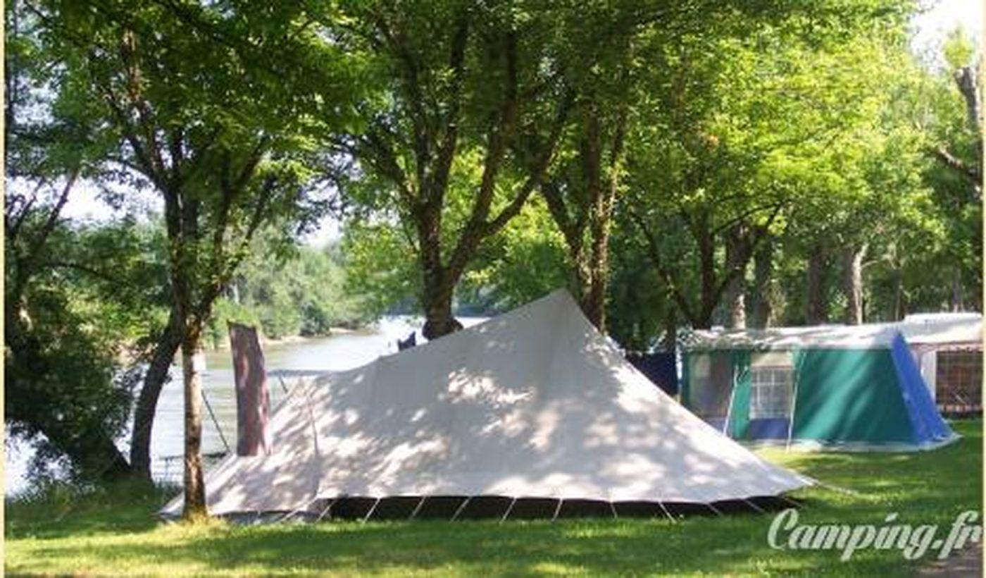 Camping du Port d'Arciat