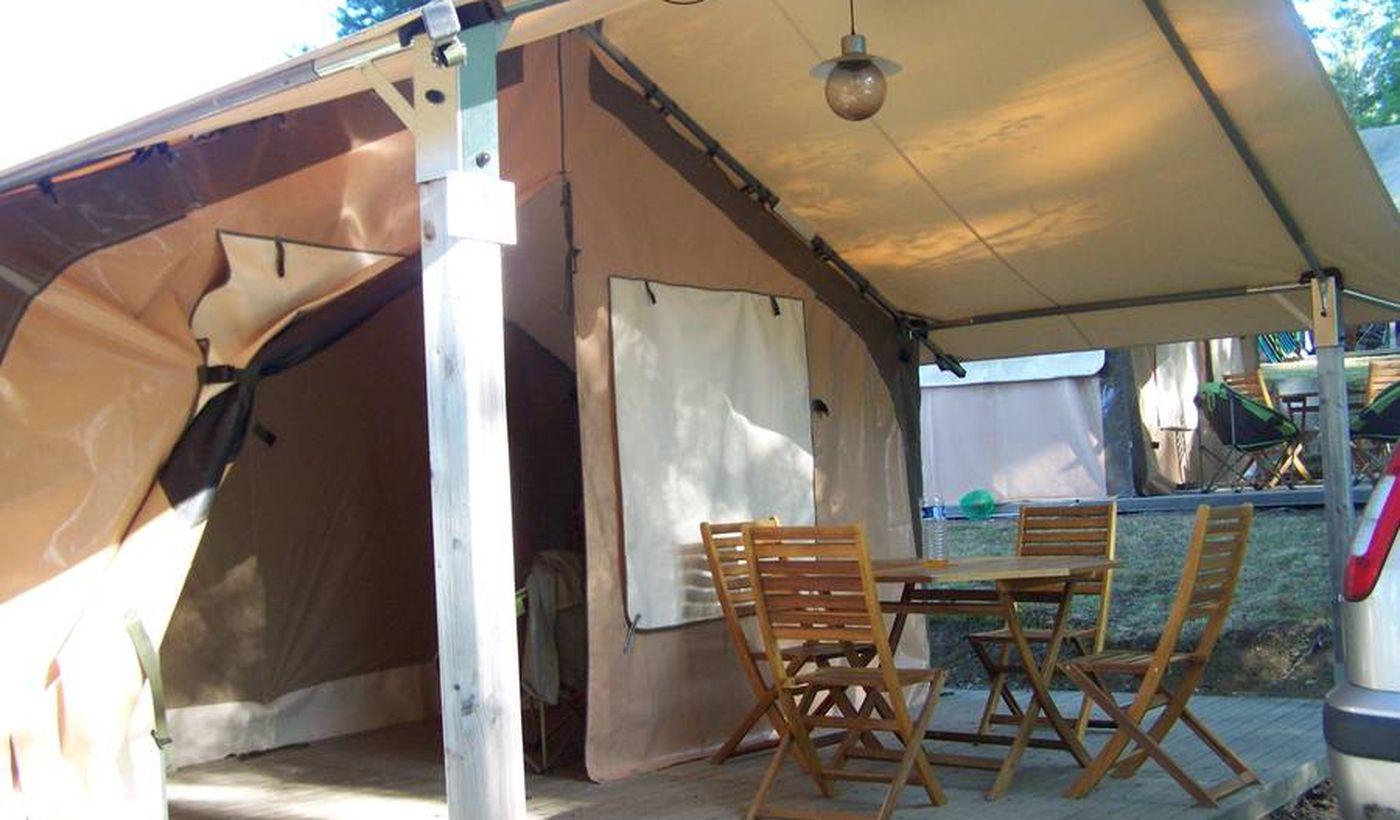 Bungalow toilé de luxe du camping Les Trois Sources