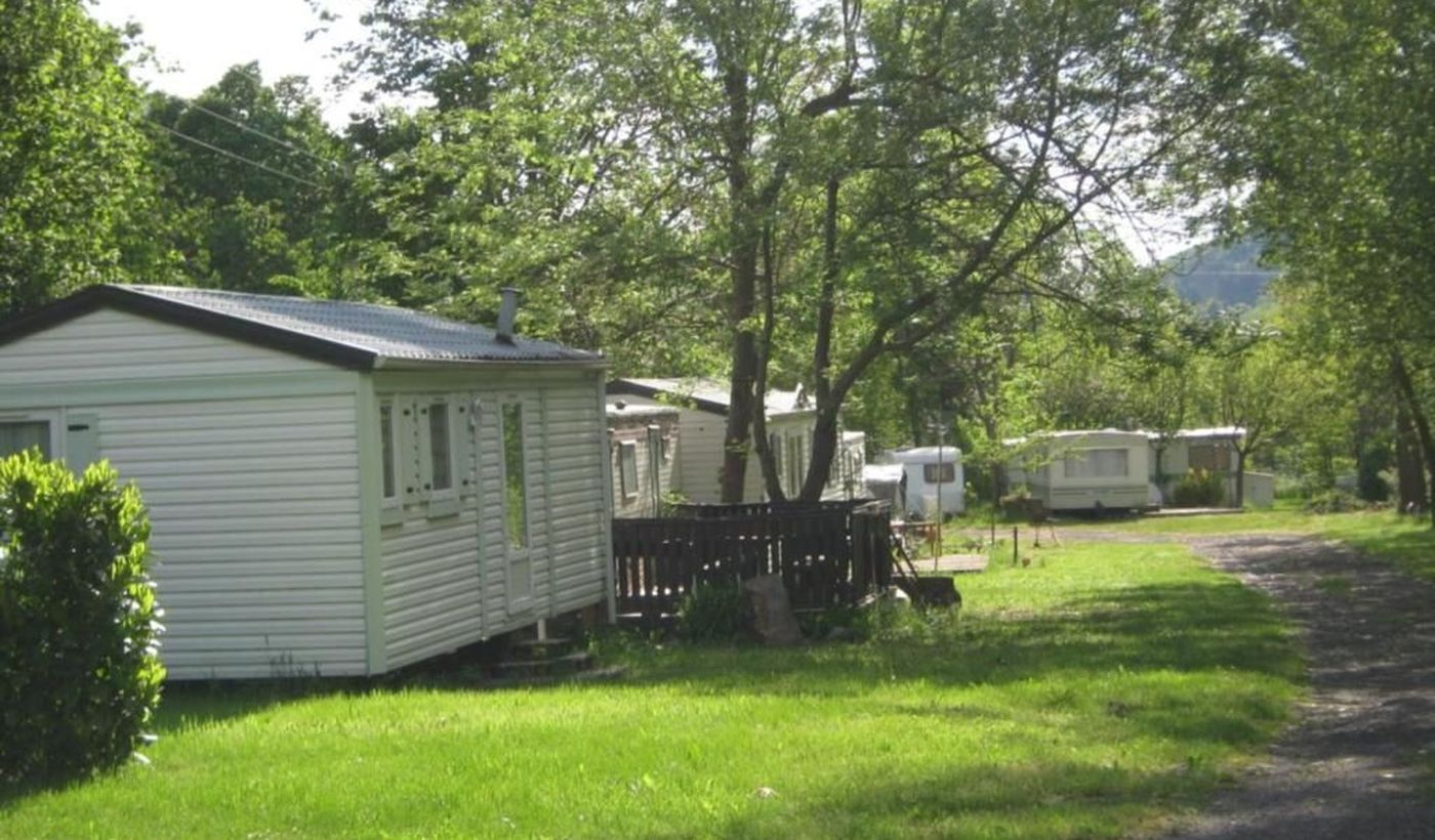 Les Maisonnettes du camping Aire Naturelle du Grand Pré